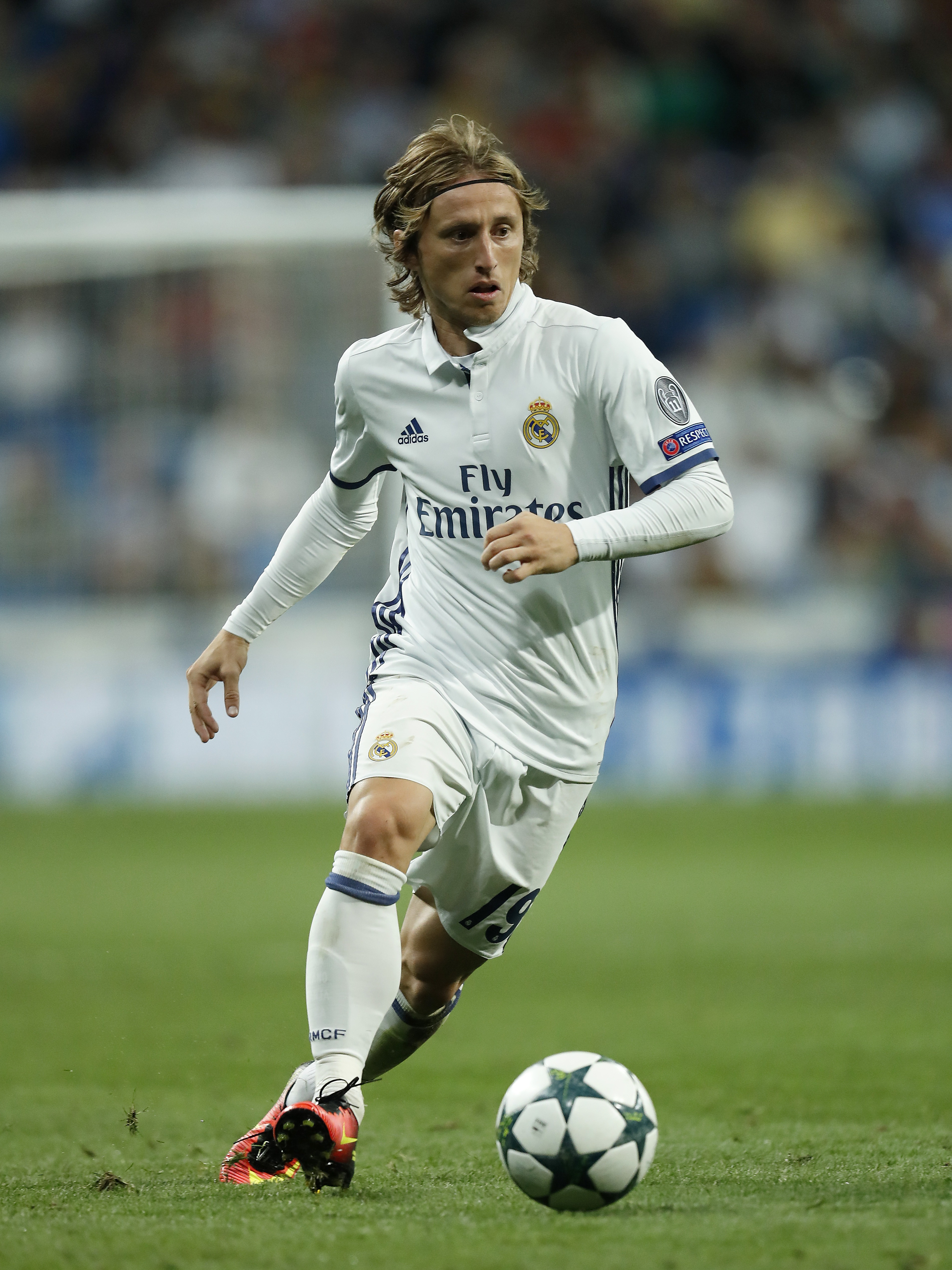 Luka Modric Signs Contract Extension Until 2020
